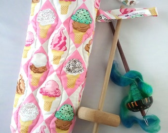 Quilted spindle bag spinning Ice Cream
