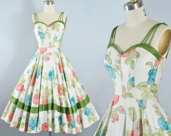 Vintage 50s ROSE Print Dress / 1950s Cotton Sundress McKay of Miami SWEETHEART Bust Green Red Blue Floral Full Skirt Garden Picnic Party XS