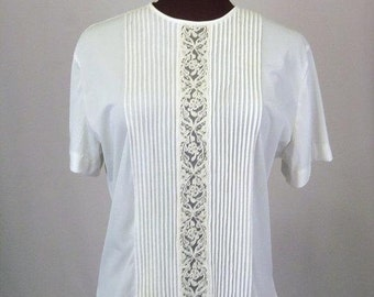 Vintage 40's 50's Blouse in Off White Nylon with Pleated Front and Lace Inset Size XL