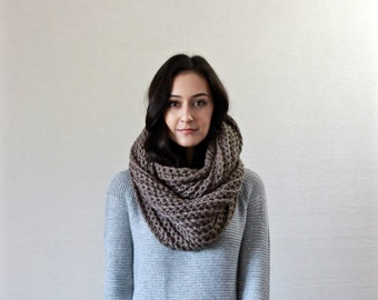 chunky infinity scarf // Le Fleur - TAUPE