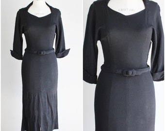 Vintage 1930s Black Rayon Dress / 30s Crepe Dress / LBD Little Black Dress / Wiggle Dress / Vamp / Gothic Clothing Goth