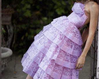 50's Dress Vintage STRAPLESS Lavender PRINCESS Dress Tiered Lace SHELF Bust Cocktail Dress  // Prom dresses by TatiTati Style on Etsy