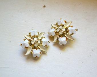 1960s White Flower Cluster Clip Earrings
