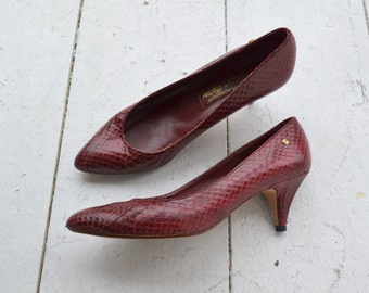 1980s Etienne Aigner Oxblood Snakeskin Shoes, Size 7.5 N