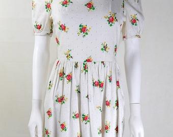 Original 1950s Vintage White Rose Print Day Dress UK Size 8