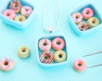 Food jewelry -  Donut necklace - Miniature food jewelry - Polymer clay - Cute jewelry - Miniature donut