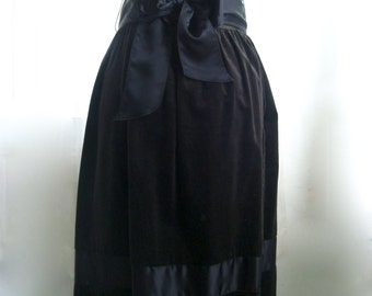 Beautiful Black Velvet and Satin Evening, Cocktail Skirt, Size Small