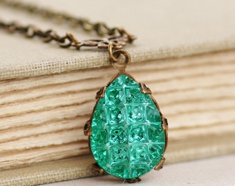 NEW RaRE West German Textured Emerald Rhinestone Pendant Necklace,Emerald Green Reflector Cabochon,1920s Art Deco,Antique Brass Crown,Unique