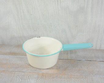 Enamelware pot / white enamelware / light blue and white