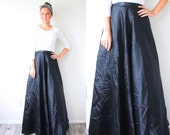 Vintage fancy black maxi skirt // maxi boho black skirt // full circle long skirt // full length skirt // black party skirt // floor length