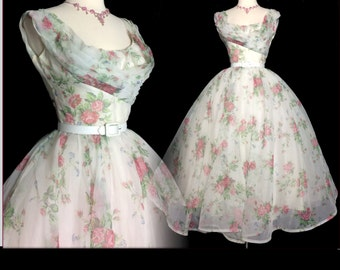 Vintage 1950s Dress//50 Dress//Emma Domb//New Look//Rockabilly//Femme Fatale
