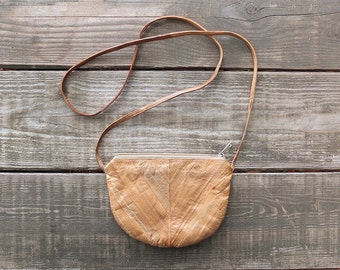 Vintage Eelskin Purse / 1970s Tan Eelskin Purse