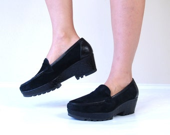 vintage 90s CHUNKY black suede PLATFORM CREEPERS 10 loafers wedges faux reptile avant garde brogues goth club kid raver grunge