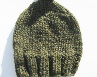 Pom pom bulky wool hat moss green hand knitted