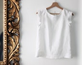 Women's linen summer shirt, white shirt, white linen shirt. Shell top. Petite size. Capsule wardrobe. Sustainable clothing made in Italy.