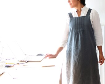 Japanese style pinafore for women made from Italian linen. Pleated bib, A line. Made in Italy. Sizes S to XL