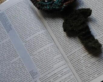 Knitted Flower Bookmark