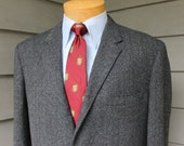 vintage 1960's -Sewell- Men's Tweed sport coat. Ivy league styling...3 / 2 roll - Sack - Natural shoulder. S & P Herringbone. Size 40 Reg
