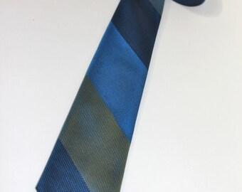 vintage 1960's -Damon- skinny neck tie. Awning stripe - 3 color. All Silk. Union Made