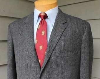 vintage 1960's -Sewell- Men's Tweed sport coat. Ivy League styling...3 / 2 roll - Sack - Natural shoulder. S & P Herringbone. Size 40 Reg