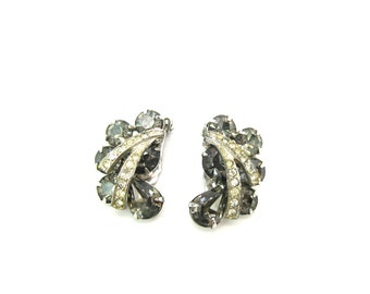 Weiss Black Diamond Earrings. Austrian Rhinestone Crystals. Smoky Gray with Ice Overlay Clusters. Vintage 1960s Weiss Jewelry