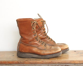 Brown Leather Work Boots Mens size 8 D Shoes Vintage Vibram Sole Worn Distressed Chunky Hiking Womens Unisex
