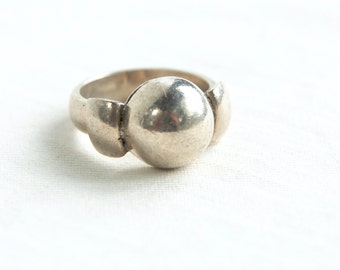 Sterling Siver Dome Ring Size 7 Vintage Mexican Statement Ring Taxco Mexico Jewelry