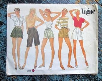 Short Shorts Bermuda Shorts pleated fly front pockets long cuffs elastic waist highwaist sewing pattern vintage 80s Vogue2739 women medium