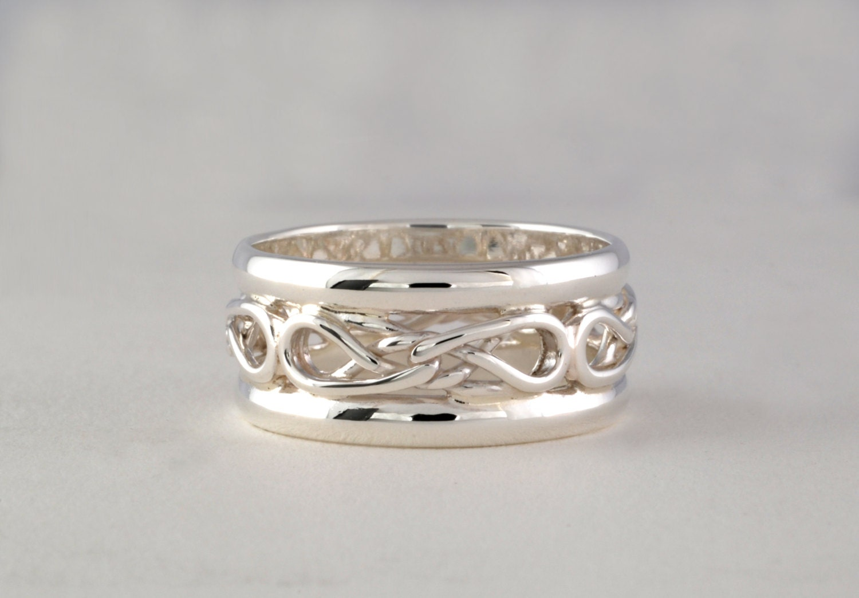 eternal love celtic knot ring with rails. Black Bedroom Furniture Sets. Home Design Ideas