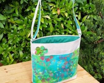 REDUCED! Sturdy Shoulder Bag with Pocket in Green/blue/red, flower, zipped inner pocket, adjustable cross-body strap