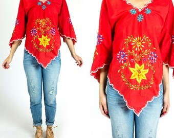 Vintage 1970s Bright Red Floral Embroidered Scalloped Flutter Sleeve Peasant Blouse Tunic Size S Small M Medium