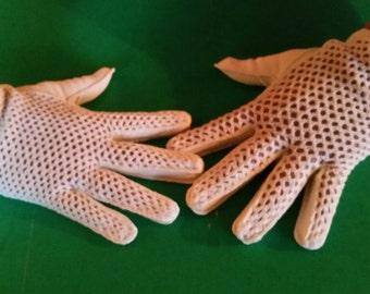 Vintage white crocheted gloves