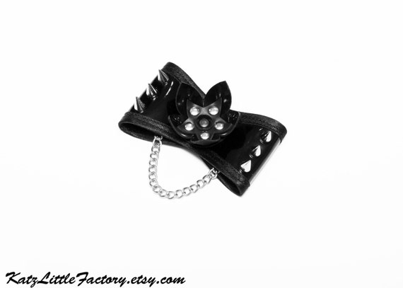 Black Shiny PVC Cyber Flower Bow Hair Clip With Spikes And Chain