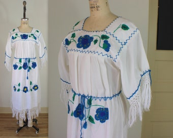 Floral Tassle Sleeve DRESS / Vintage Bohemian Frock  / South American Embroidered Flower Dress