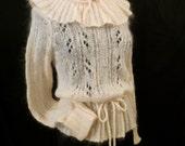 TOASTED MARSHMALLOWS Sears Jr Bazaar mohair wool sweater pullover - Pierrot ruffle collar - sz M L