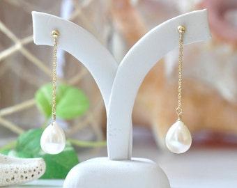 14K Gold Freshwater pearl Earrings / 14K Yellow Gold Pearl Drop earrings / Classic bridal jewelry / Pearl Gold earrings / June Birthstone