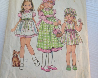 1974 Holly Hobbie Simplicity Pattern