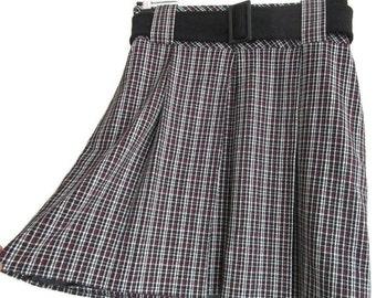Plaid skirt / high waist skirt / striped skirt/Vintage 80s 70s Mini skirt high waist school girl striped white black and red 1975s skirt