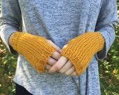 Mustard Knit Fingerless Gloves Mitts, Wrist Warmers / Autumn Gold / Lambs Wool Yarn