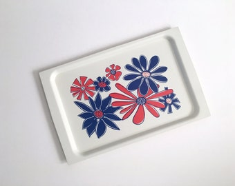 Large Vintage FLOWER POWER Plastic Serving Tray - TV Tray - Vanity Tray - Red, White and Blue - Platter - David Douglas Co