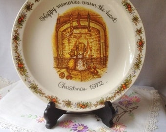 Vintage Holly Hobbie 1972 Christmas Commemorative Edition Plate American Greeting Co