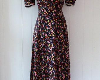 70's Cutest Novelty Print Dress Gardener Girl Daisy Floral Puff Sleeve Maxi Dolly Gown S