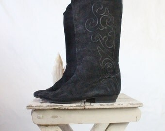 Vintage Italian Embroidered Black Suede Boots Sz 9/9.5