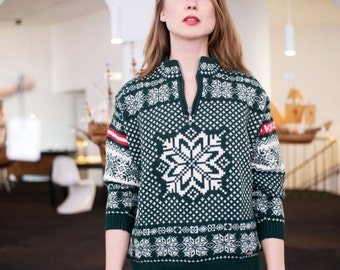 Vintage Unisex Snowflake Forest Green Chunky Knit Wool Geometric Nordic Ski Sweater