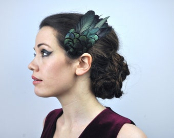 Feather Fascinator Hair Clip in Glossy Green / Black Natural Feathers