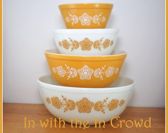 Butterfly Gold Pyrex Mixing Bowls Vintage Pyrex Set Nesting Bowls Midcentury Modern Dishes Yellow Bowls White Bowls Wedding Housewarming