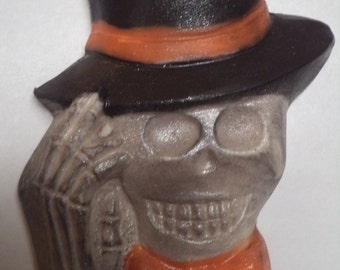 12 Spooky Shimmery Skull Skeleton Head with Top Hat & Bow Tie Chocolate Candy Halloween Theme Lollipop Party Favors