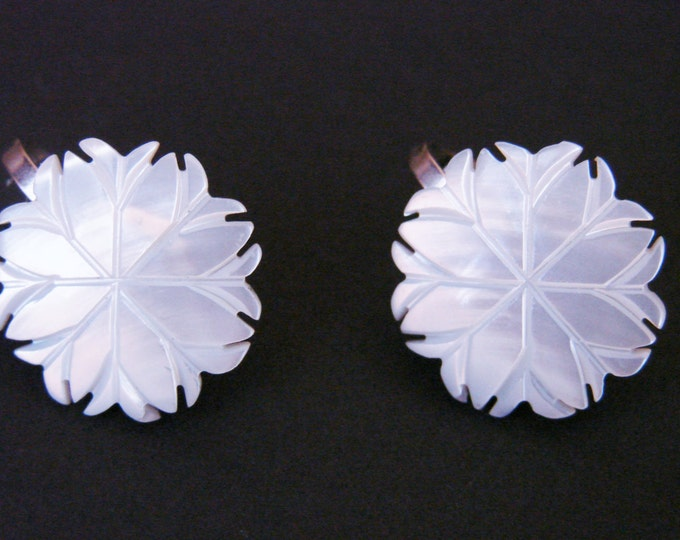 Mother of Pearl Hand Carved Earrings / Mid Century / Vintage MOP / Wedding Bridal / Jewelry / Jewellery