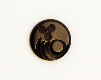 Vintage brown bakelite large button, carved bakelite coat button, Art Deco bakelite button
