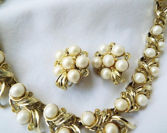 Vintage Sarah Coventry Necklace and Earrings Set